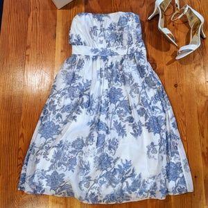 GAP dress - blue/white floral strapless